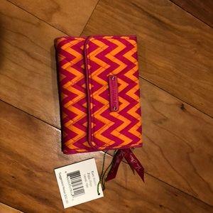 Vera Bradley Euro Wallet Ziggy Zags pattern